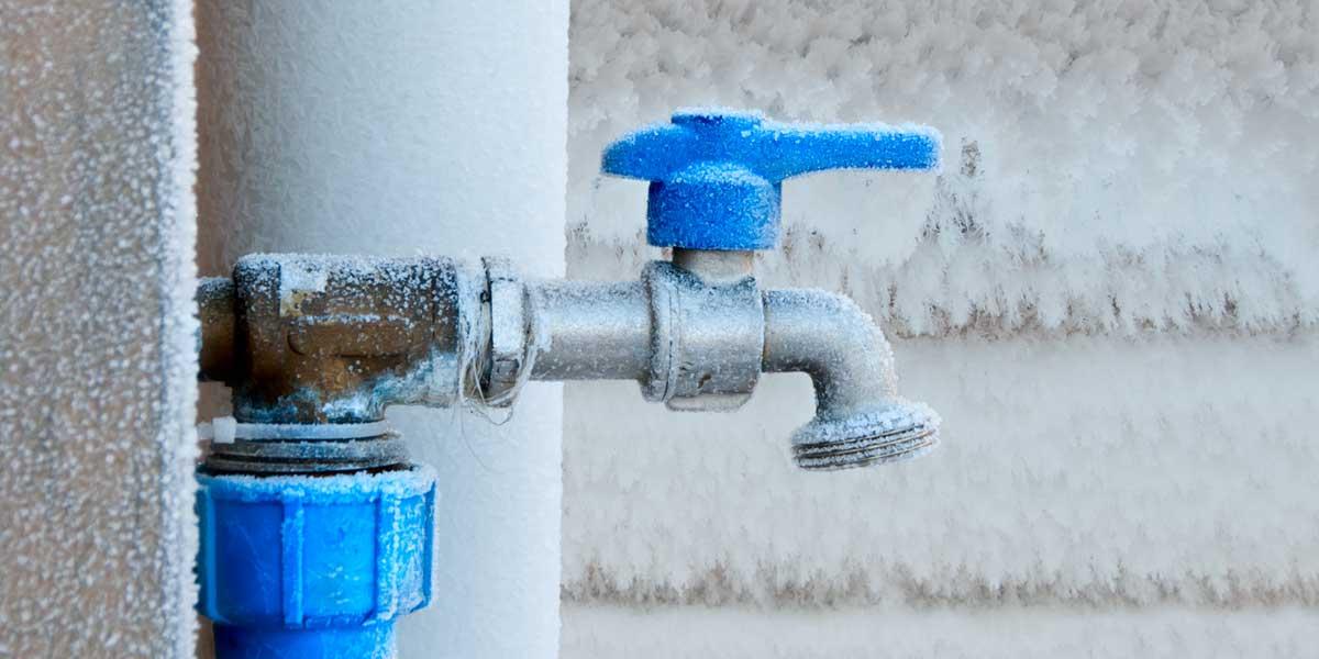 Outdoor faucet frozen in the winter