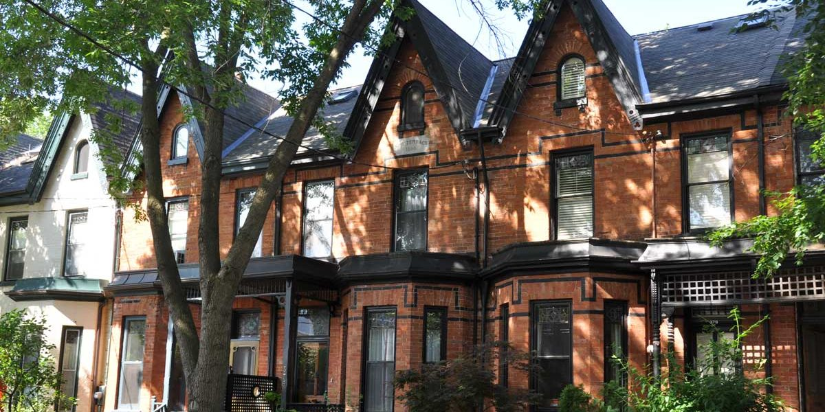 Old Toronto houses are beautiful, but they may have common plumbing problems that buyers don't notice